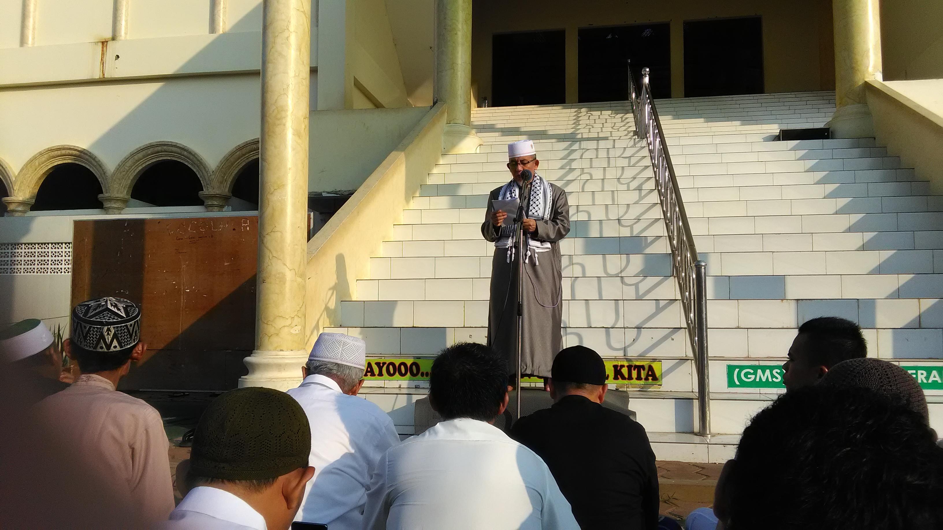 Teks Lengkap Khutbah Imaamul Muslimin: Dengan Semangat Idul Fitri Kita Atasi Problema Umat