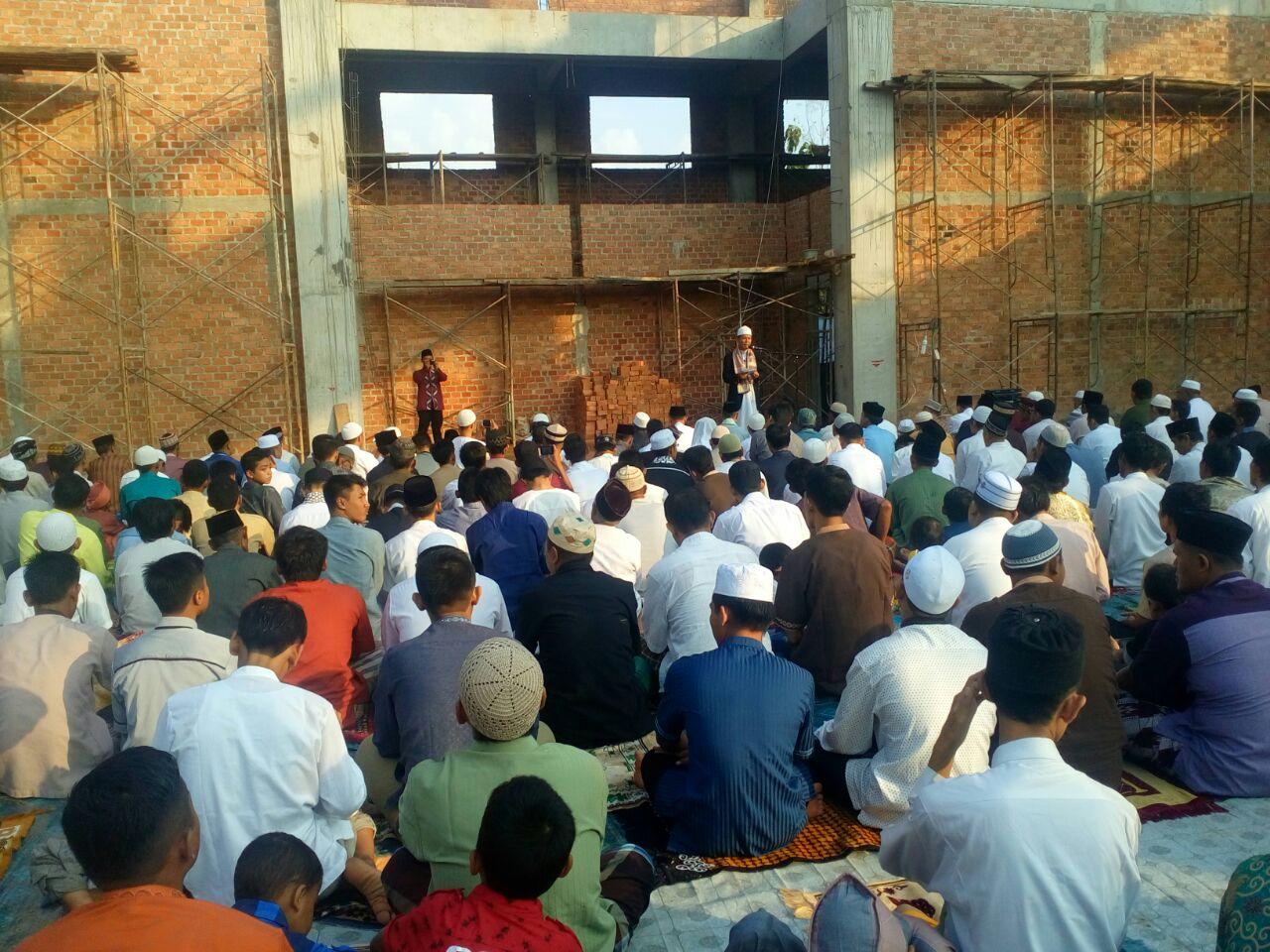 Khatib Idul Fitri Ponpes Al-Fatah Muhajirun Serukan Umat Islam Peduli Sesama