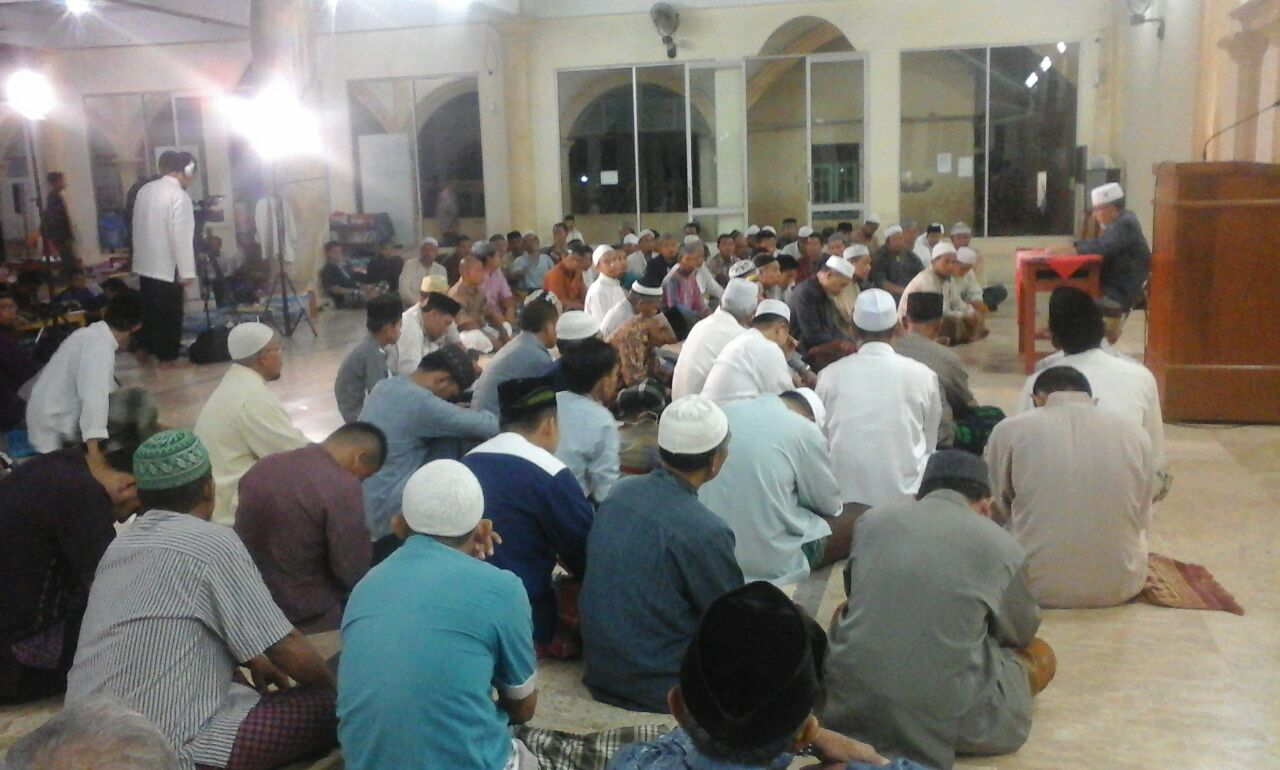 Imaamul Muslimin: Menetapi Al-Jamaah Wujud Sempurnanya Islam