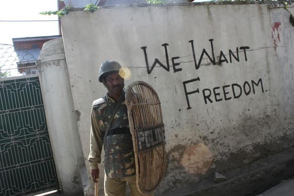 Polisi India Tangkap Lebih Seribu Pengunjuk Rasa di Kashmir