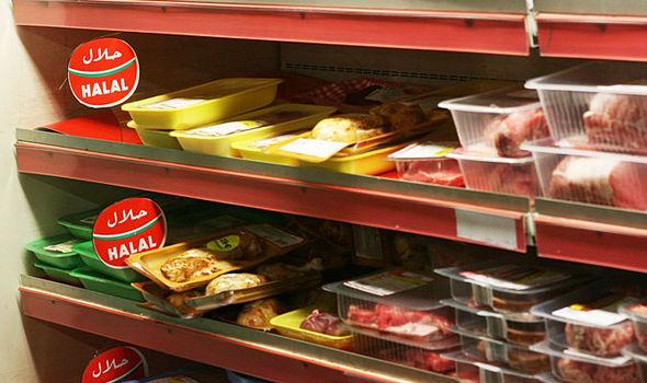 Supermarket Halal Paris Dipaksa Jual Daging Babi dan Alkohol