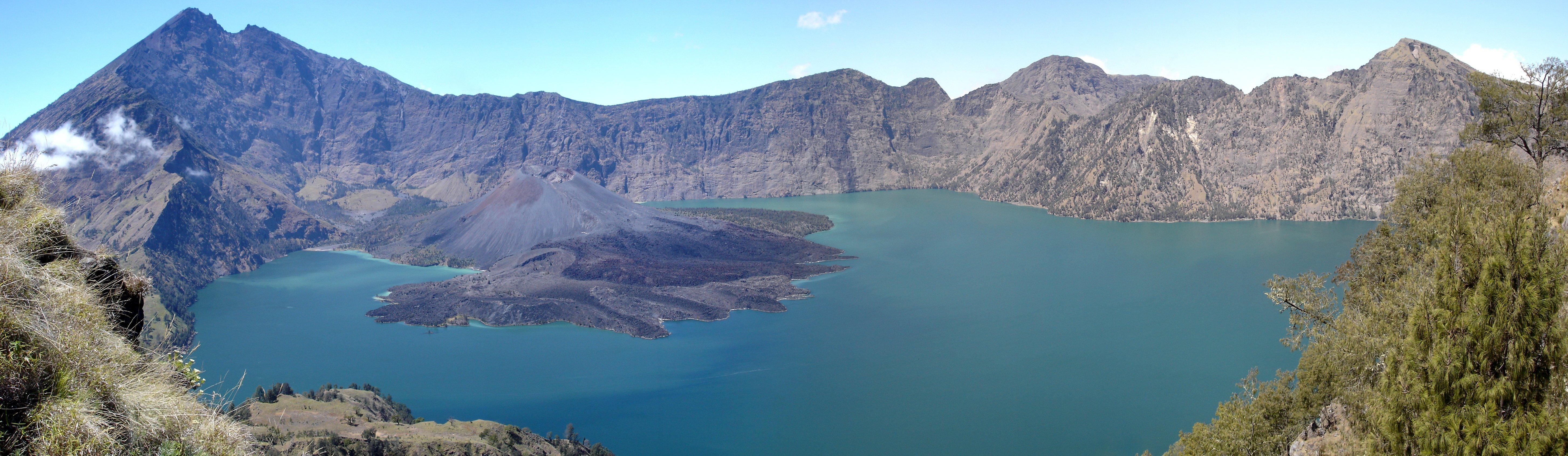 Gempa Bumi Picu Gunung Rinjani Meletus