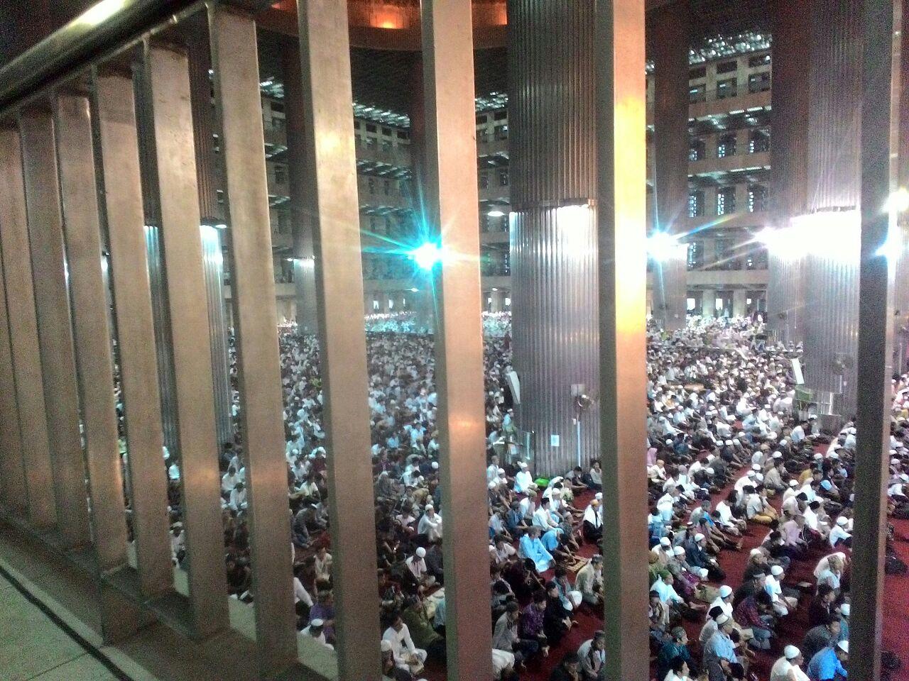 Ratusan Ribu Jamaah Idul Adha Padati Masjid Istiqlal