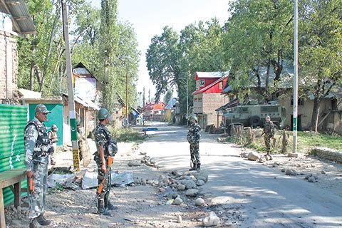 Gadis 13 Tahun Meninggal di Tengah Bentrokan di Kashmir