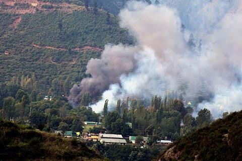 Serangan Empat Pejuang Kashmir Tewaskan 17 Tentara India