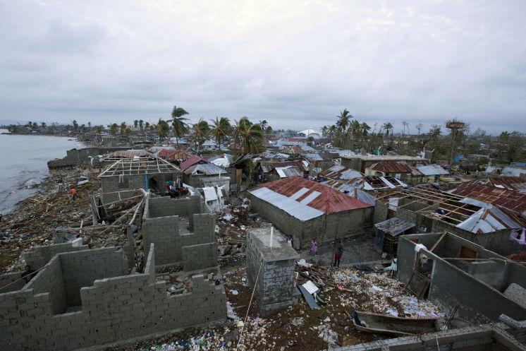 Korban Tewas Badai Matthew Hampir 600 Jiwa