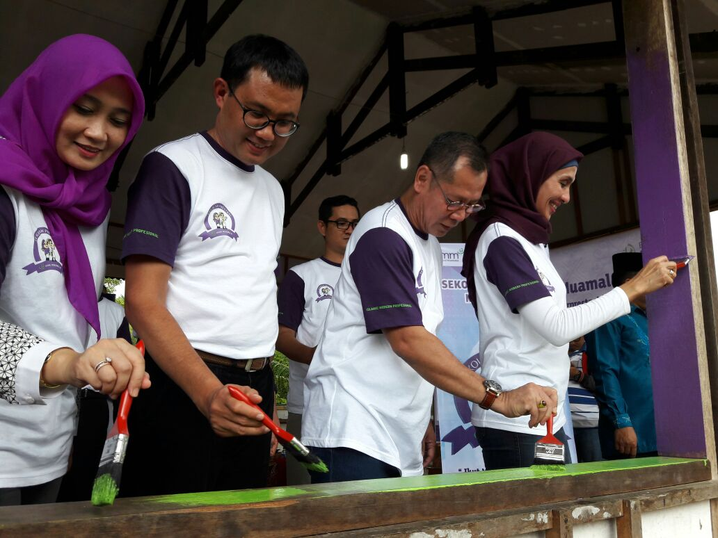 Muamalat Beri Bantuan Pondok Pesantren di Padang