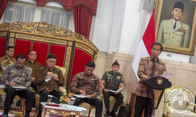 Jokowi Bicarakan Langkah Kongkret Berantas Pungli