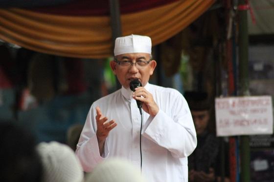 Imaamul Muslimin Yakhsyallah Mansur Serukan Qunut Nazilah Satu Bulan