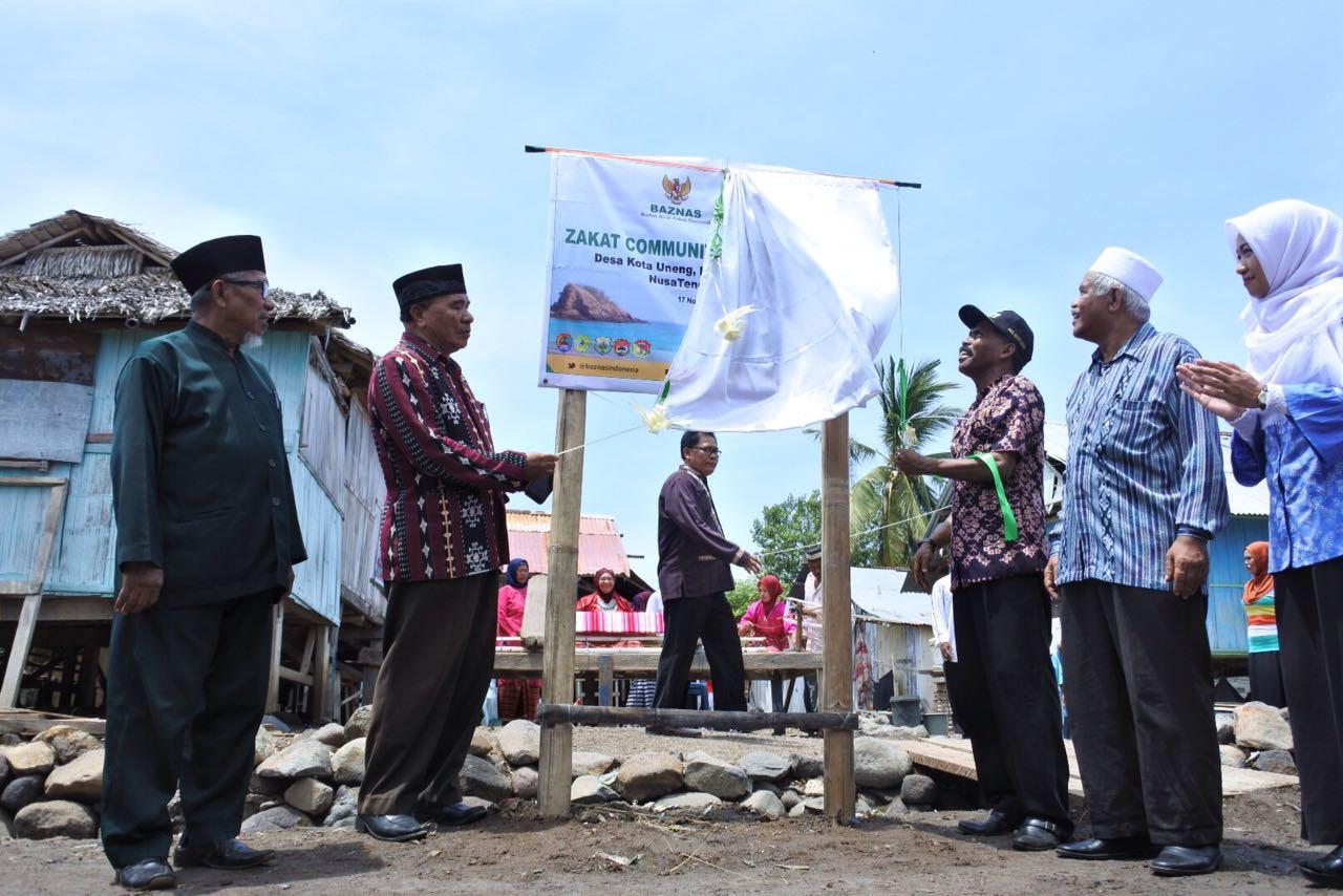 BAZNAS Beri Bantuan Nelayan dan Masyarakat Miskin di NTT
