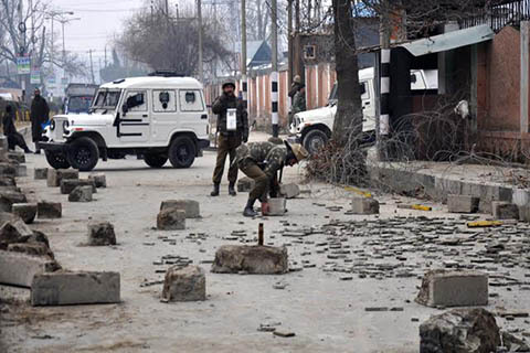 Polisi India Kembali Gunakan Peluru Pelet Lukai Warga Kashmir