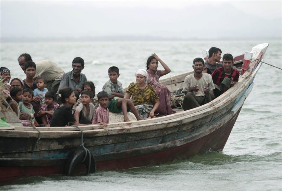 Muslim Rohingya Ditembak Saat Menyeberang ke Bangladesh