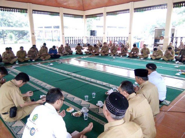Pemerintah Kota Bekasi Rutinkan Aparatnya Membaca Al-Quran Satu Juz Perhari