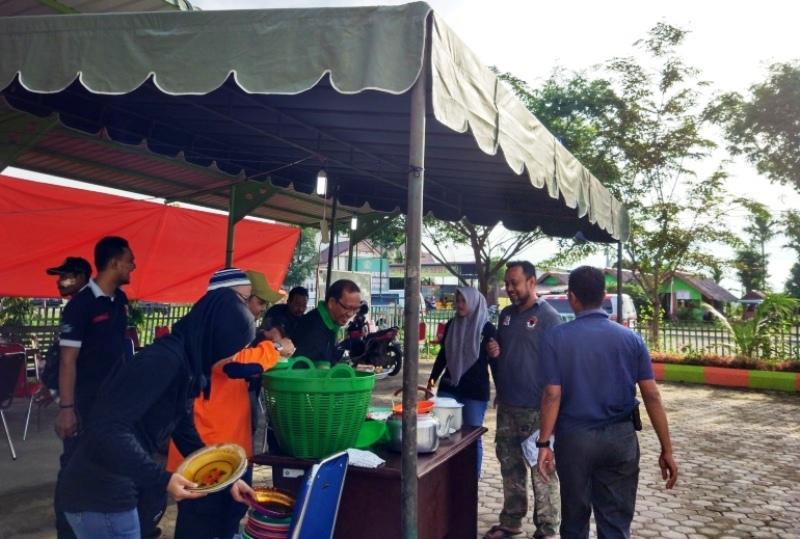 Gempa Pidie Jaya, Posko Kemenag Sediakan Ratusan Porsi Makan untuk Relawan