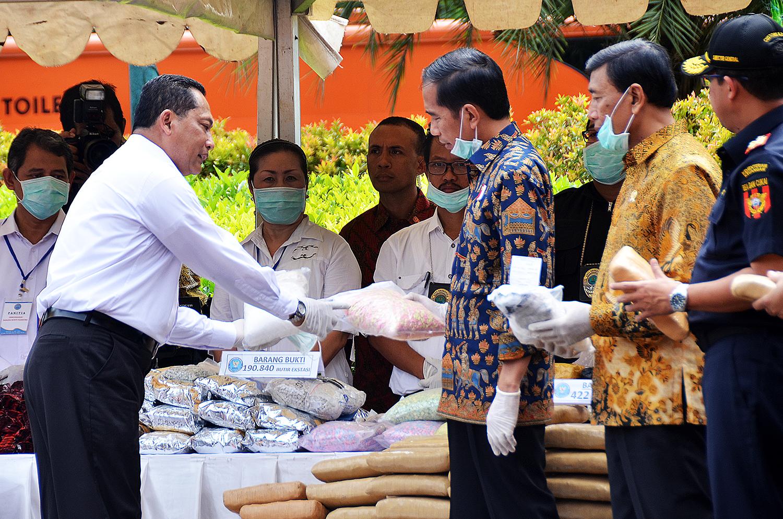Presiden Jokowi Saksikan Pemusnahan Ratusan Kg Sabu dan Ganja