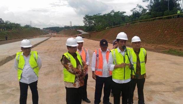 Jokowi Harap Proyek Jalan Tol Batang-Semarang Rampung Sebelum Lebaran 2017