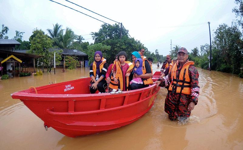 Ribuan Warga Malaysia Mengungsi Akibat Banjir