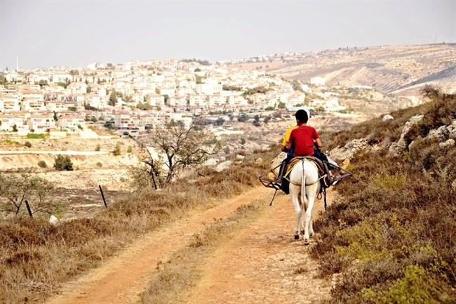 Pasukan Israel Tutup Semua Gerbang Besi Keluar/Masuk Desa Marda