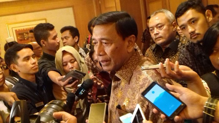 Menko Polhukan Wiranto: Berita Hoax Rugikan Masyarakat