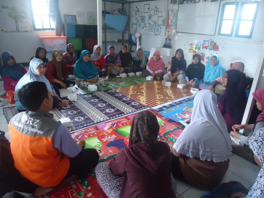 RZ Sosialisasikan Program Pemberdayaan di Kampung Pemulung, Pancoran