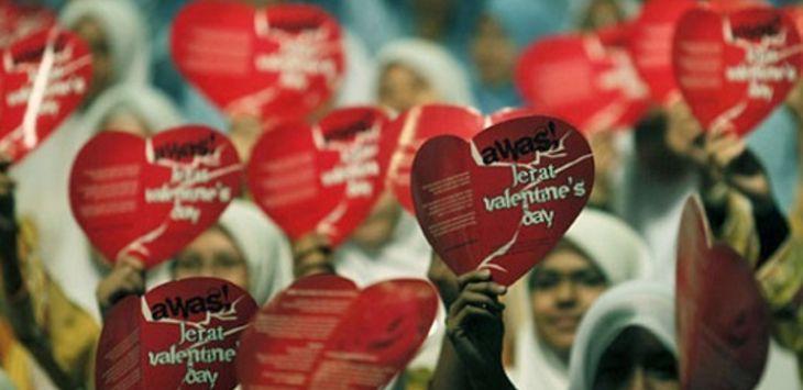 Valentine's Day Budaya Maksiat Berkedok Kasih Sayang