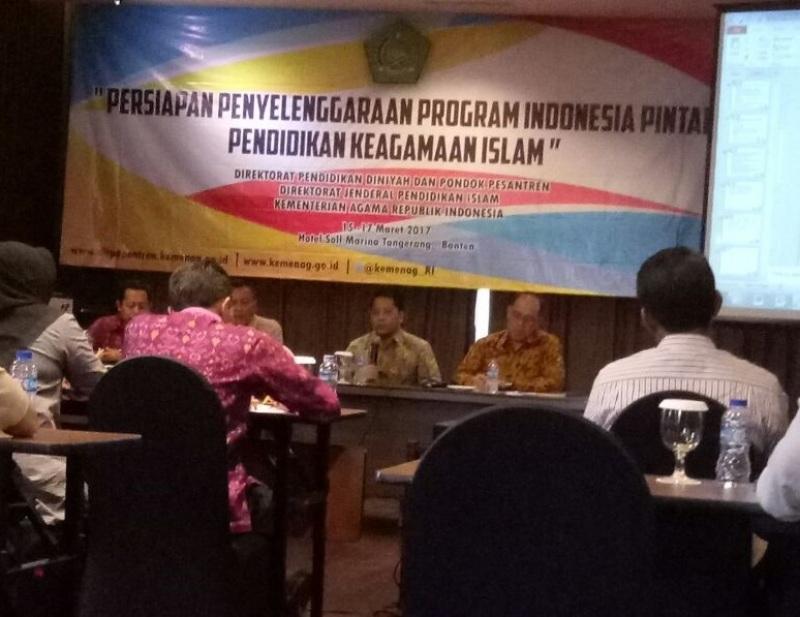 Sebanyak 194.000 Santri Akan Terima Bantuan Program Indonesia Pintar Tahun Ini