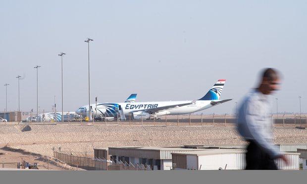 Inggris Larang Laptop dan Tablet di Kabin Penerbangan Timteng dan Afrika Utara