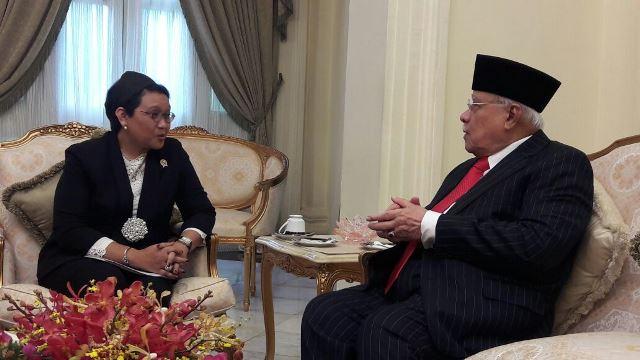 Menlu Temui Menteri Besar Penang Titip Pesan Perlindungan WNI