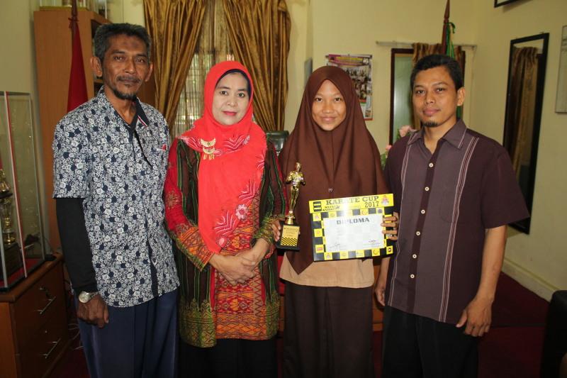 Siswi MAN Binjai Raih Juara 1 Taka Junior Female di Malaysia