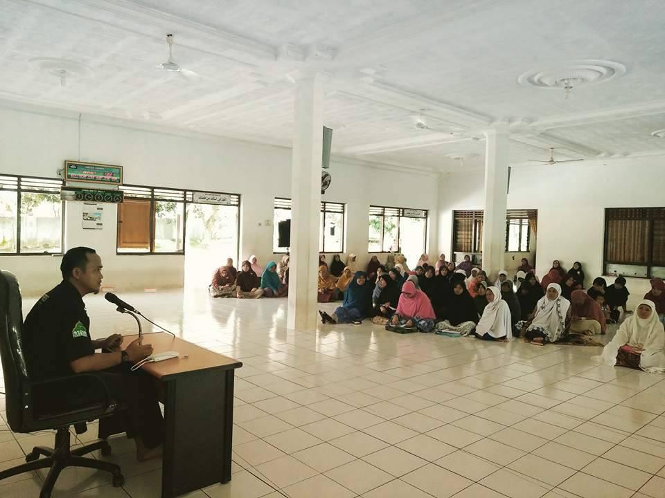 Muslimah Dituntut Bijaksana Gunakan Medsos
