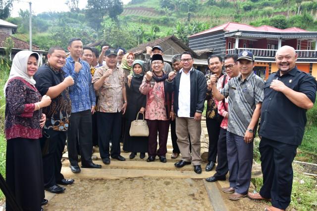 Pembangunan Jalur Puncak II Tingkatkan Perekonomian Warga