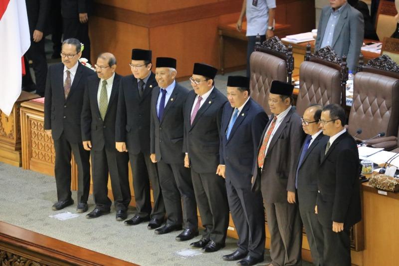 DPR Tetapkan Lima Anggota Dewan Pengawas BPKH