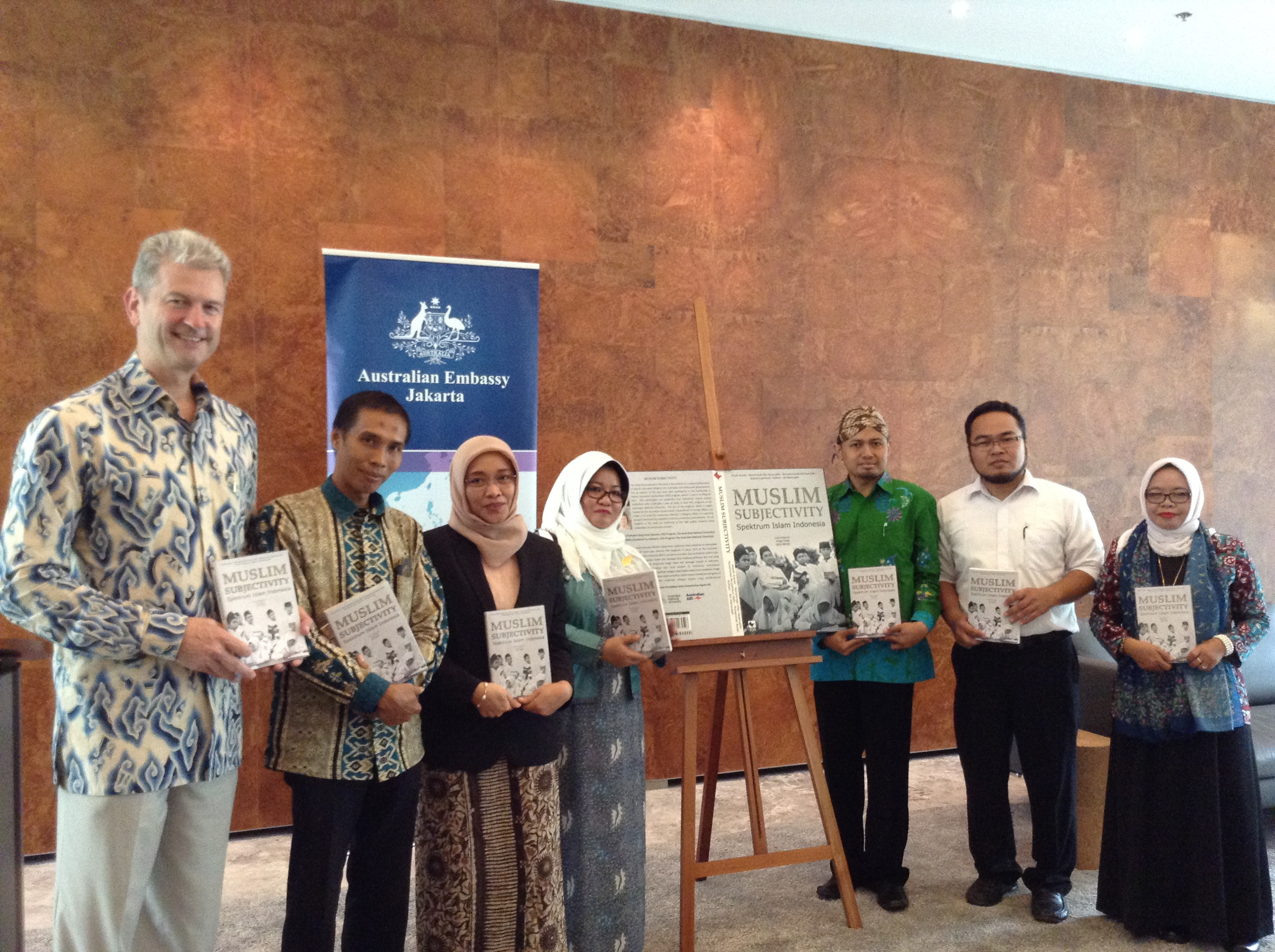 Peneliti Muda Islam Indonesia Terbitkan Buku 'Spektrum Islam Indonesia'
