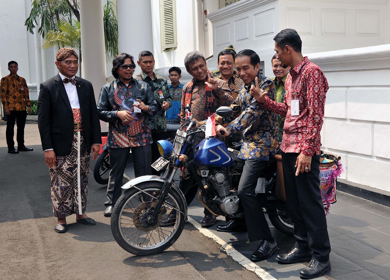 Jokowi Silaturahmi dengan Pegiat Literasi