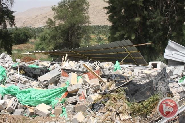 Pasukan Israel Hancurkan Bangunan di Lembah Yordania