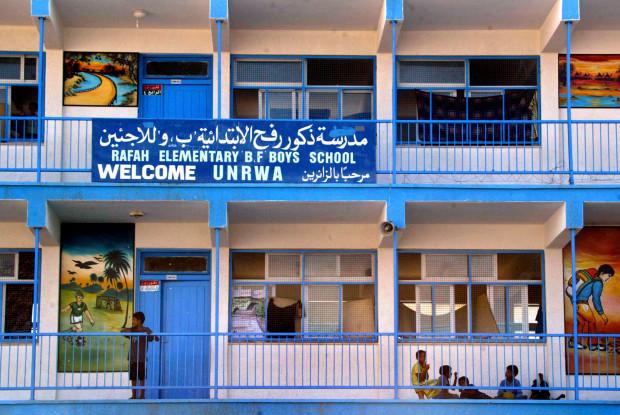 Krisis Pendanaan, Sekolah UNRWA Tetap Beroperasi