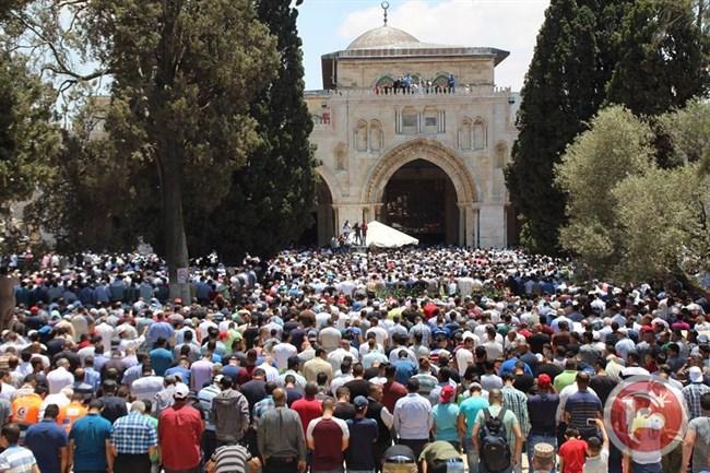 Sekitar 250.000 Jamaah Shalat Jumat Pertama Ramadhan di Al-Aqsha