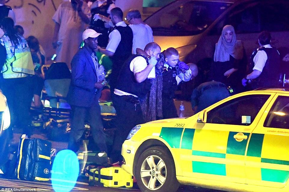 Mobil Van Tabrak Muslim Pejalan Kaki di London, Dua Tewas