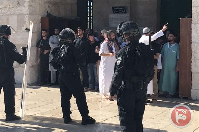 Polisi Israel Serbu Masjid al-Aqsa