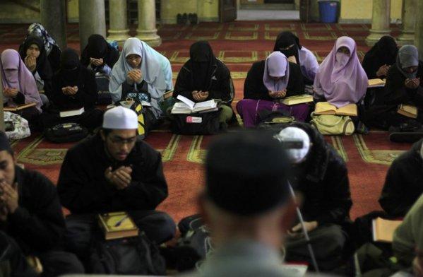 Deportasi Istri Mahasiswa, Kelompok HAM Kecam Kairo dan Beijing