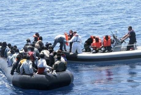 Seratus Migran Melarikan Dari Kamp Perdagangan Orang di Libya