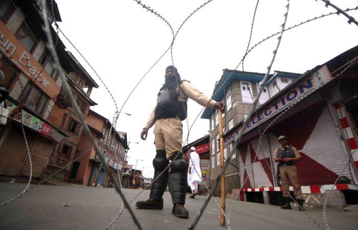Dianggap Tak Penuhi Syarat, 48 Surat Kabar di Kashmir Dilarang Terbit