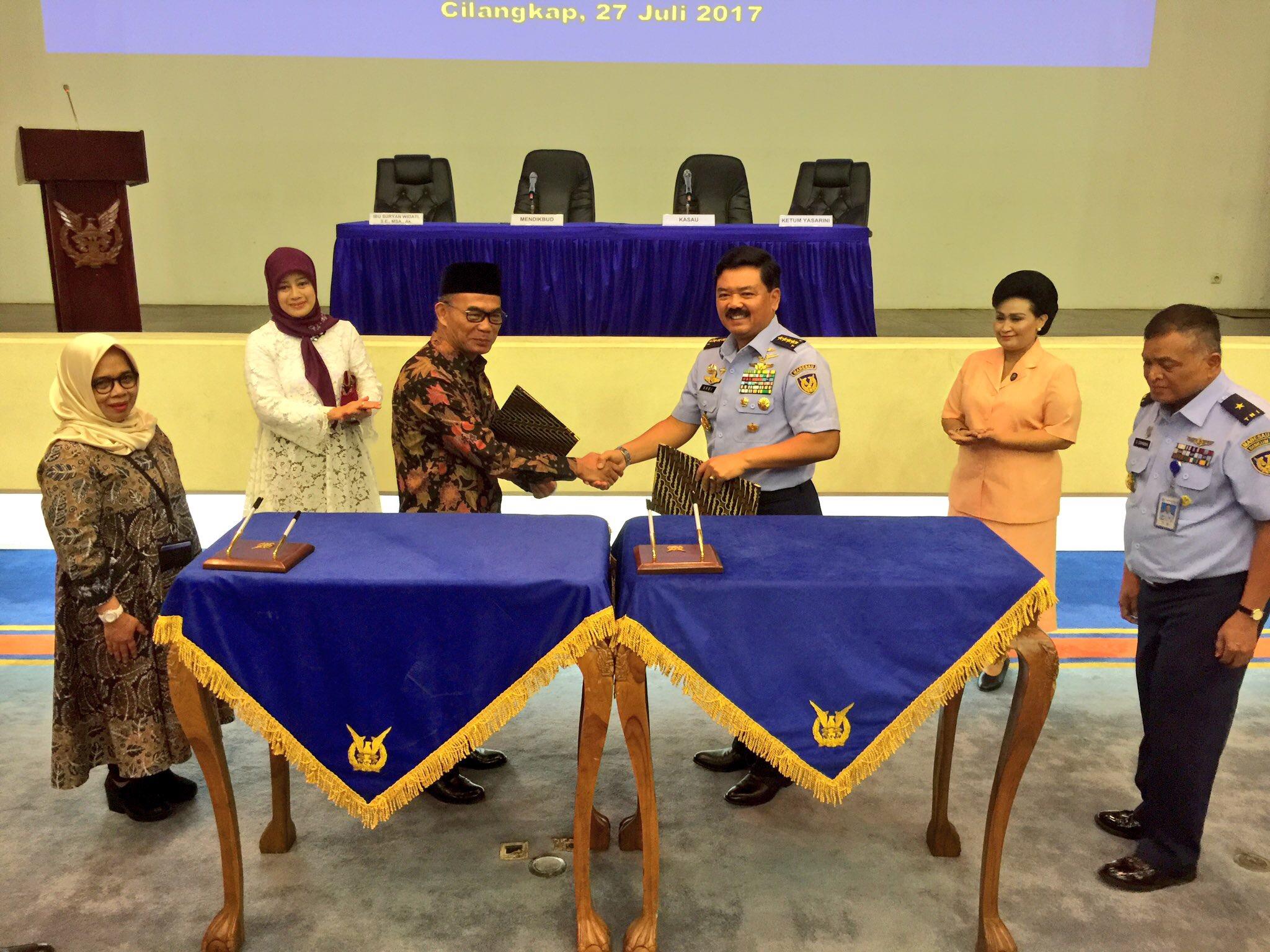 Kemendikbud-TNI AU Kerjasama Kembangkan Pendidikan
