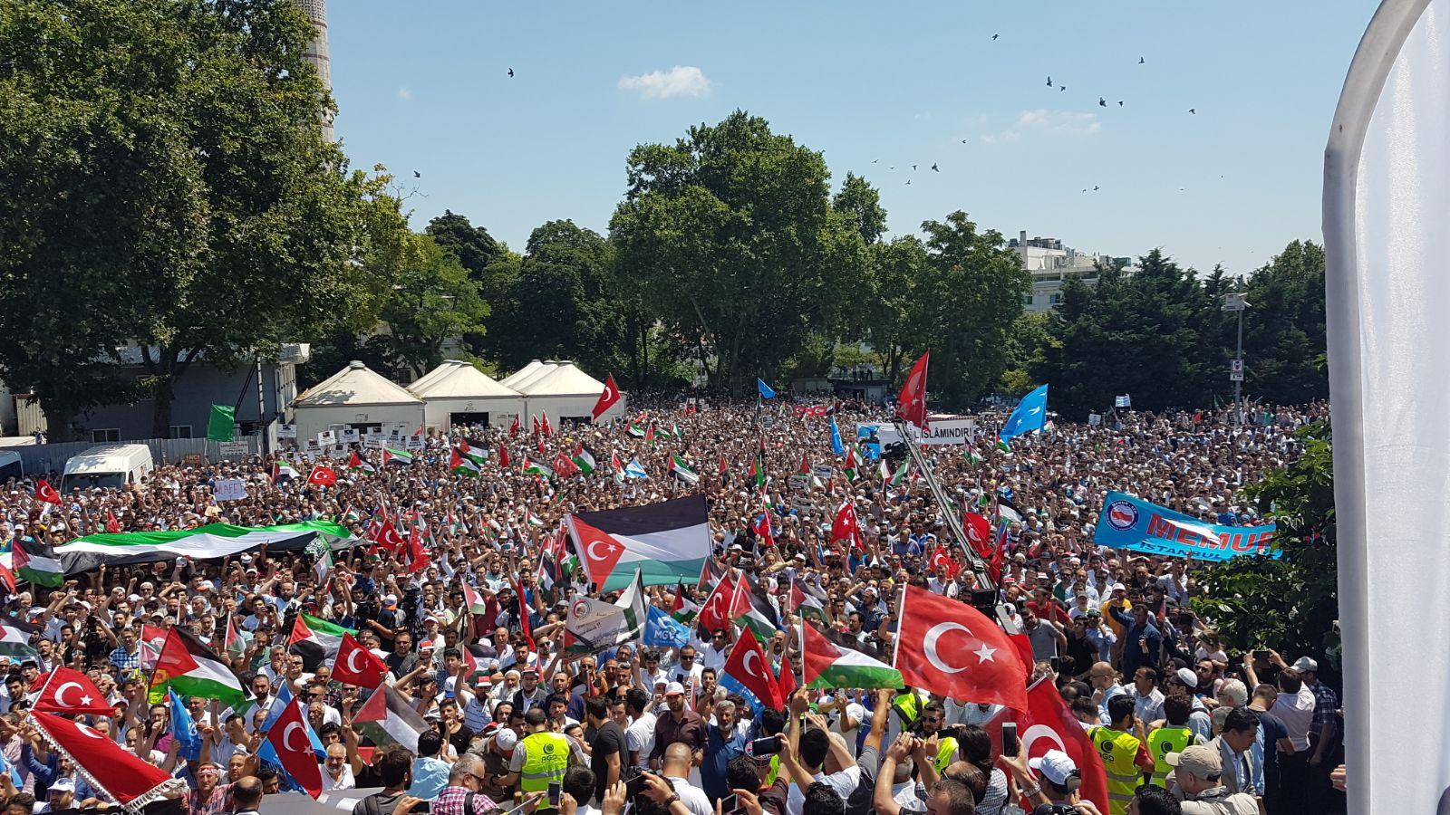 Puluhan Ribu Orang di Turki Turun ke Jalan Untuk Masjid Al-Aqsha