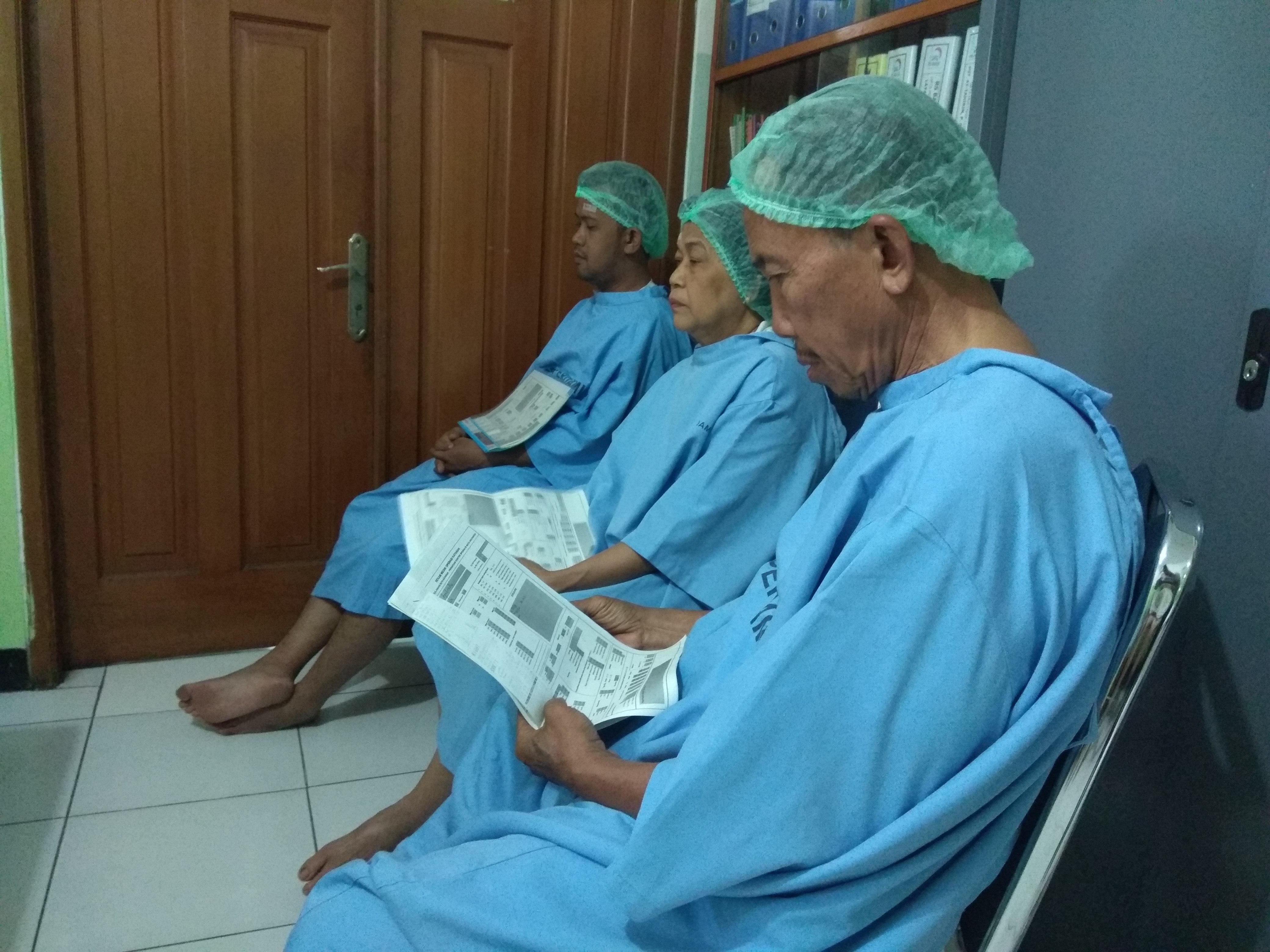 60 Warga Kurang Mampu Operasi Katarak Gratis Dengan Dana Zakat
