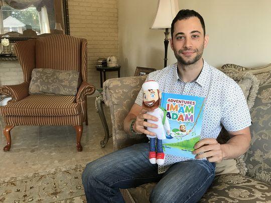 Pria Heldon Ciptakan Mainan Berkelas dan Buku Cerita Anak Islami