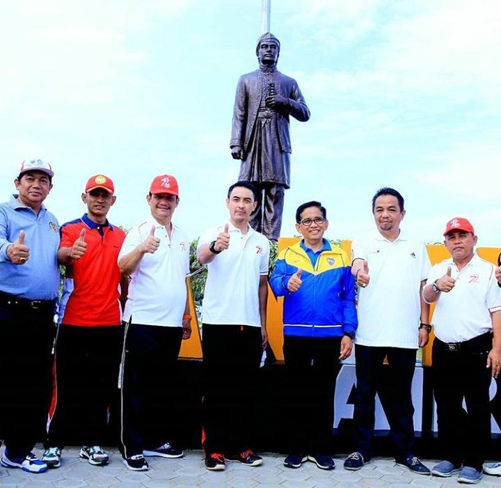Gubernur Jambi Resmikan Monumen Sultan Thaha di Bandara
