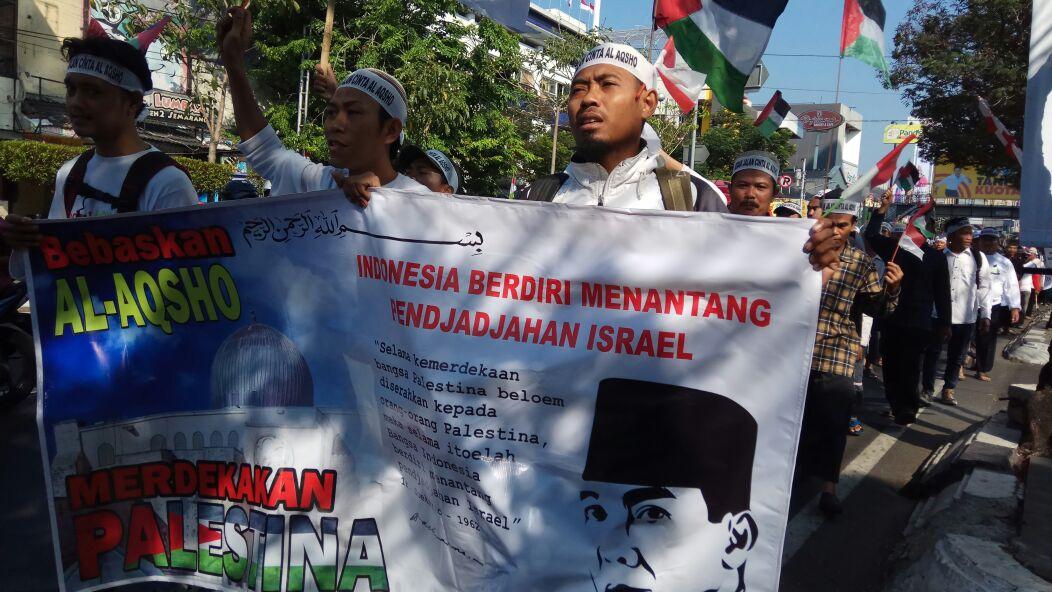 Jama'ah Muslimin (Hizbullah) Gelar Aksi Long March Cinta Al-Aqsha di Semarang