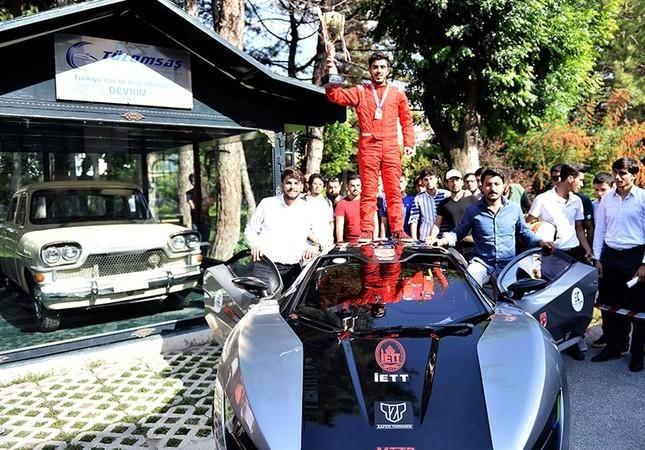 Mahasiswa Turki Kembangkan Mobil Listrik