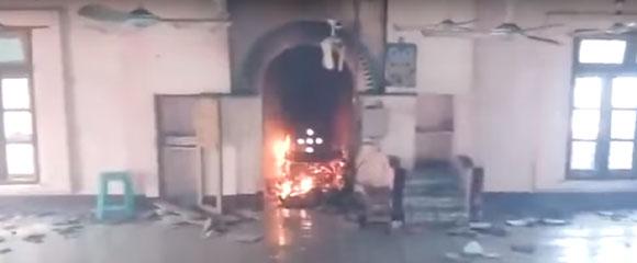 Arakan Times Videokan Rumah dan Masjid Rohingya Dibakar